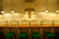 A deli opens in a former public urinal. London is a mecca for foodies. Now the city has a new, hot dining spot. Named 'ATTENDANT', the establishment is built. Victorian Urinals, Victorian Toilet, Victorian Era, London Coffee Shop, London Cafe, Toilet Tiles, News Cafe, Public Bathrooms, Adaptive Reuse