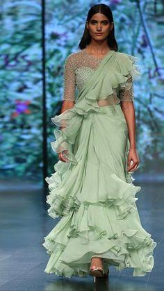 Ruffles + Sarees : the trend of 2019 Saree Gown, Satin Saree, Lehenga, Indian Dresses, Indian Outfits, Ny Dress, Sari Design, Modern Saree, Elegant Saree