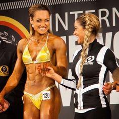 Isn't this a nice one!?! Lisa Drexler winning German Newcomer Championship. #bikini #bikinisuit #figuresuit #figurebikini #competition #competitionbikini #rhinestonebikini #yellow #figurklasse #figuredivision #highquality #madewithlove #madeingermany #evitalana #evitalanasportsfashion #fitnessmotivation #newcomer