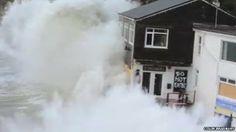 BBC News - UK floods: Giant wave crashes over Cornwall restaurant
