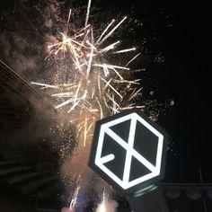 170603 Dream Concert in Seoul  #EXO #lightstick #Dreamconcert #exolightstick