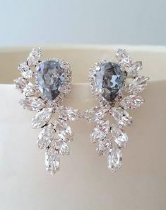 Emerald earrings,Statement bridal earrings, Emerald bridal ...