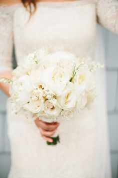 white wedding bouquet by MDS Floral Design