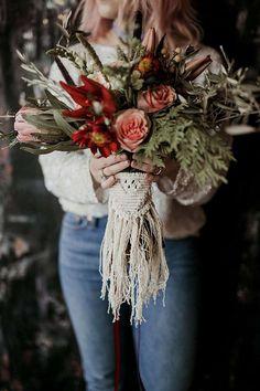 boho fall wedding bouquet ideas with macrame fall wedding Boho Chic Macrame Wedding Ideas to Love - EmmaLovesWeddings Bouquet Bride, Boho Wedding Bouquet, Bouquet Wrap, Fall Wedding Flowers, Floral Wedding, Wedding Day, Autumn Wedding, Gypsy Wedding, Forest Wedding