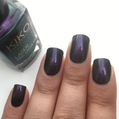Petite pose du vernis KIKO, n•433 - Gothic Purple 💅🏽 de la collection Laser. #onglescourts #polish #kiko433 #kiko #kikocosmetics #kikocosmetic #kikocosmeticsofficial #kikogothicpurple #laser #kikocollectionlaser #lauriane #lauriane_nails