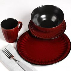 AnnasLines | 16 Piece Beaded Red Dinnerware Set