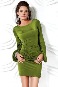Zümrüt Yeşili Çok Zarif Kadife Abiye Elbise Modelleri