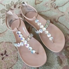 """HPKenneth Cole Reaction Bling Sandals✨ Super Cute """"Clay Patent"""" Slim Key KCR Sandals Color is Nude with iridescent studs. Never worn outside. A minor nick on front lower sole. (See last pic) manufacture defect? Didn't fit quite right for me. Thank you, kindly for no lowball offers Kenneth Cole Reaction Shoes Sandals"""