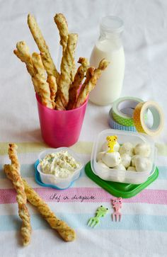 Cheese and zaatar sticks | Chef in disguise