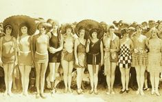 Vintage Beach Babes