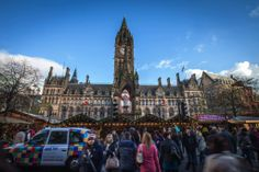 The #Manchester Christmas Markets are open! Over 300 stalls stretching across the city centre with visitor numbers in Albert Square alone expected to exceed 1.5 million #ParkInn http://www.parkinn.co.uk/hotel-manchester