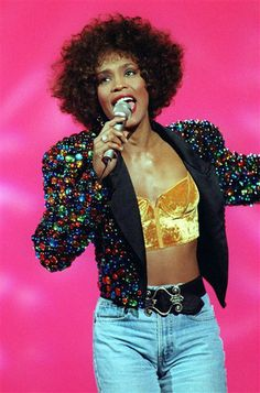 Whitney-Houston-celebrities-who-died-young-33796581-330-