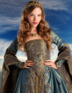 romanticillusions:    Aside from Anne's execution gown, my absolute favorite costume in the entire show.    Where did this pic come from? I've never seen it, it's pretty! And I agree, this was my favourite of Kitty's gowns, she looks gorgeous in blue.
