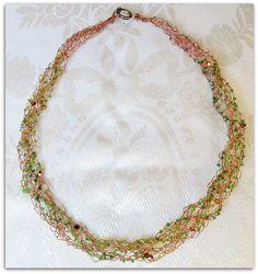 collana intrecciata uncinetto filo di rame e perline