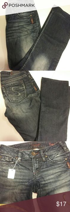 """EUC Silver jeans Toni 26/29 Beautiful deep blue with just the right amount of distressing, in just the right places.  Waistband 28"""" rise 8"""", inseam 29"""". EUC!! Silver Jeans Jeans"""