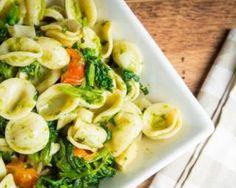 Pâtes végétaliennes aux légumes et au pesto : http://www.fourchette-et-bikini.fr/recettes/recettes-minceur/pates-vegetaliennes-aux-legumes-et-au-pesto.html