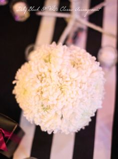Create this classic black & white arrangement for an elegant dinner party in a few easy steps Elegant Dinner Party, Chrysanthemum, Beautiful Bride, Special Day, Floral Arrangements, Real Weddings, Black And White, Create, Classic