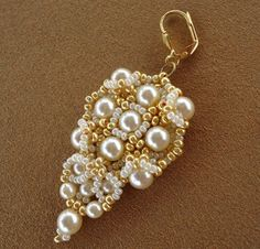 Tutorial Gold and Ivory Earrings bead pattern PDF door Ellad2
