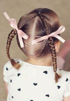 coiffure fillette deux fines tresses et rubans #hairstyles #girl