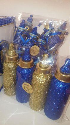 Gold glitter baby bottles tall (regular size) Great for baby showers ,Birthdays, Royal pr Royal Baby Shower Theme, Royalty Baby Shower, Fiesta Baby Shower, Baby Shower Table, Boy Baby Shower Themes, Baby Shower Princess, Baby Shower Favors, Baby Boy Shower, Shower Cake