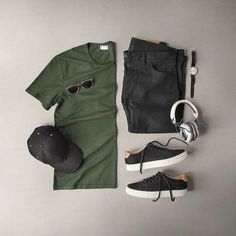 Men Casual T-Shirt Outfit 🖤 Very Attractive Casual Outfit Grid, Mens Casual Dress Outfits, Men Dress, Casual Attire, Casual Clothes, Fashion Mode, Daily Fashion, Street Fashion, Mens Fashion Blog, Fashion Blogs