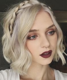 Short Hair Hairstyles 33 Casual And Easy Updos For Short Hair  Pinterest  Updos Short