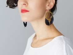 Ocri // Hoop Earrings/ Midnight Blue Earrings/ Lace par EPUU