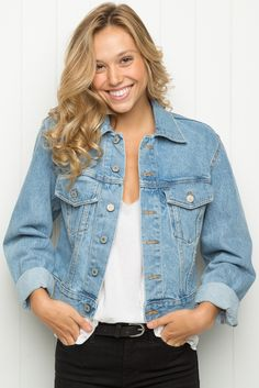 "Brandy ♥ Melville | Jackson Denim Jacket JACKSON DENIM JACKET $40 Light wash denim jacket with a button-up front, buttoned chest pockets and cuffs, finished with a cropped fit. 100% cotton 20"" length, 18"" bust MODEL is 5'8.5"" with a 23"" waist. Made In USA Color: Denim MLA067W-343S0720000"