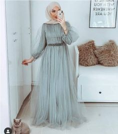 Fashion Tips Jewelry Evening dresses in candy colors Hijab Prom Dress, Hijab Evening Dress, Muslim Dress, Evening Dresses, Stylish Dress Designs, Designs For Dresses, Stylish Dresses, Prom Dresses Long With Sleeves, Wedding Dress Sleeves