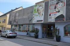 Mit GENBÖCK HAUS finden Sie den Durchblick. Architektonisch gelungen ist dieser Umbau des Stammhauses von Aigner United Optics in Grieskirchen. Optischer Hingucker ist vor allem die ansprechende Fassadengestaltung. Lokal, Broadway Shows, The Unit, House