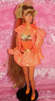 1992 Hollywood Hair Teresa. She was my fav Barbie I hated the day I had to throw her out.