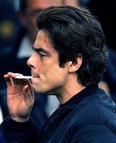 Benicio Del Toro #smoking