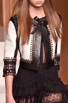 Givenchy at Paris Fashion Week Spring 2015 - spring fashion Couture Fashion, Runway Fashion, Fashion Outfits, Womens Fashion, Fashion Trends, Paris Fashion, Fashion Spring, Fashion Weeks, Fall Outfits