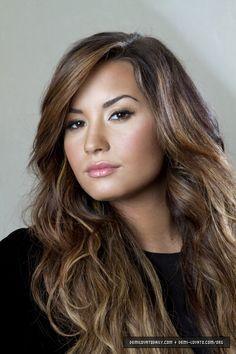 Demi Lavato, so natural and beautiful!
