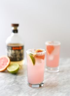 You can't go wrong with Espolon Tequila, lime, and grapefruit soda. Just combine 3 oz Espolòn Tequila, 1 oz Lime Juice, and 3 oz Grapefruit soda in salt-rimmed Collins glass over fresh ice. Garnish with a grapefruit and/or lime wedge. Festive Cocktails, Whiskey Cocktails, Summer Cocktails, National Tequila Day, Grapefruit Soda, Juicing Benefits, Health Benefits, Cinco De Mayo