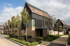 Image 10 of 25 from gallery of Abode at Great Kneighton / Proctor and Matthews Architects. Courtesy of Proctor and Matthews Architects Sustainable Architecture, Residential Architecture, Contemporary Architecture, Interior Architecture, Casa Patio, Social Housing, Affordable Housing, Brickwork, Urban Design