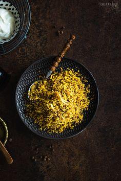 Mejadra - arabski ryż z soczewicą i cebulą - Ósmy Kolor Tęczy Kitchen World, Arabic Food, Raw Vegan, Raw Food Recipes, Tofu, Food And Drink, Dinner, Tortillas, Narnia