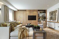 Molins Interiors // salón - comedor - sofá - mesa auxiliar - mesa de centro - alfombra - decoración - barcelona