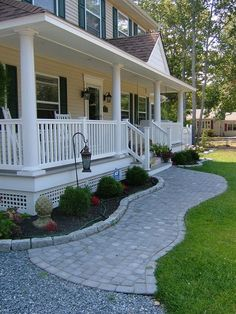 Cool 30+ Idea For Front Porch Area https://gardenmagz.com/30-idea-for-front-porch-area/
