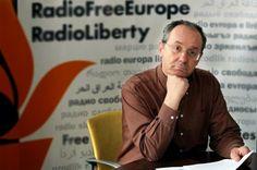 El gobierno de Azerbaiyán asesta el mayor golpe contra la libertad de prensa de ese páis al cerar y arrestar a periodistas de Radio Free Europe / Radio Liberty (RFE / RL) en Bakú.
