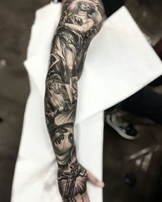 "Ink Sav auf Instagram: ""Full sleeve by artist @fred_flores #supportartists #blackandgray #sleeve #theartisthemotive #inksav ."""