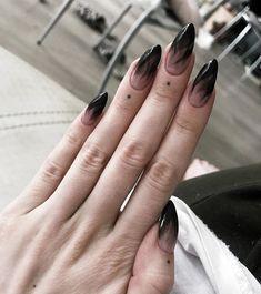 Nice design - black nail tips - ChicLadies. Witchy Nails, Goth Nails, Edgy Nails, Pointy Nails, Grunge Nails, Fancy Nails, Almond Nails Designs, Black Nail Designs, Black Almond Nails