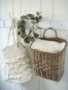 pretty ruffled tote and wicker basket White Cottage, Cozy Cottage, Cottage Style, French Cottage, Farmhouse Style, Baskets On Wall, Wicker Baskets, Wall Basket, Towel Basket