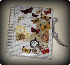 Agenda diária personalizada em scrapbook