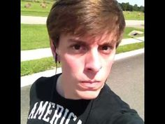 When Someone Calls You During Your Jam - Vine by Thomas Sanders Vine Compilation, Thomas Sanders, Sander Sides, Disney Princes, Kids Tv Shows, Thomas And Friends, Funny Vines, Favorite Person, When Someone