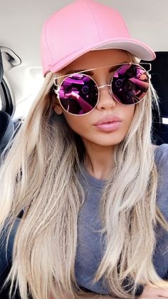 Love the pink tinted mirror sunglasses