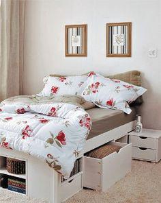 Under bed storage Home Bedroom, Bedroom Furniture, Bedroom Decor, Inspiration Drawing, Under Bed Storage, Small Rooms, Decoration, Location, Little Houses
