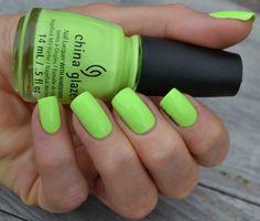 Fröken Nilssons Färger: China Glaze - Grass Is Lime Greener