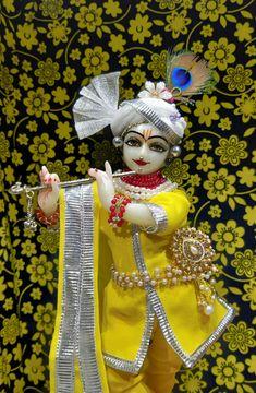 Jai Shree Krishna, Radhe Krishna, Krishna Bhagwan, Radha Krishna Pictures, Buddha Meditation, Good Morning Images, Projects To Try, Princess Zelda, Hare