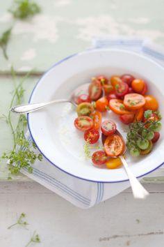 Tomatinhos cereja organicos....alecrim...hummm
